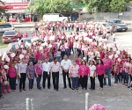 Caminan para crear conciencia contra el cáncer