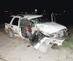 Se estampan contra un tráiler estacionado en la carretera a San Fernando