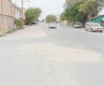 Rehabilitan drenaje pero no pavimentan