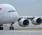 Aterriza el avión comercial más grande del mundo