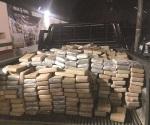 Decomisan 828 kilos de cocaína en tractocamión