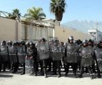 Trasladan a 233 presos de Topo Chico a otros penales