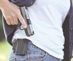 Permiten a mujeres portación de armas