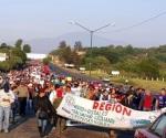 Marchan contra evaluación en Morelia