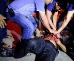Toma de rehenes en Bangladesh deja 28 muertos