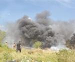 Atacan incendio de frente