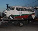 Vuelca unidad de INM, 17 migrantes resultan heridos
