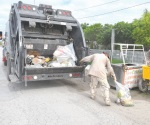 Tarda camión recolector quince  días en pasar
