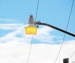 Prenden las lámparas de día y noche