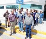 Reclaman pagos a su dirigente en la Comapa