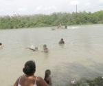 Oportuna acción evita muerte de niño en el río