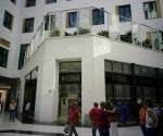 Inauguran el primer centro comercial de lujo en Cuba
