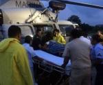 Helicóptero se desplomó en el mar, rescatan a tripulantes