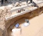 Reparan fuga de agua en la zona centro