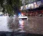 Autoridades atienden a los afectados por lluvias en Cuautitlán