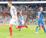 Inglaterra, con un pie en Rusia
