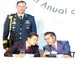 Pide Peña sumarse a la reconstrucción del país
