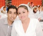 Reciben actas de matrimonio