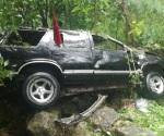 Vuelca familia potosina en Mante; fallece una niña