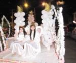 Hacen brillar desfile navideño de luces