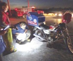 Impacta camioneta a moto