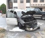 Se quema camioneta por corto