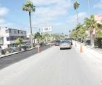 Aprovechan que salió el sol y rehabilitan pavimento de boulevard