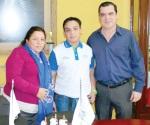 Viaja a Puebla para participar en Olimpiada Nacional Química