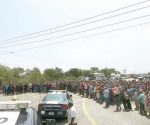 Cierran manifestantes carretera federal