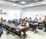 Visita maquiladoras personal del ITEA a animar a estudiar a trabajadores que no acabaron