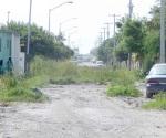 Piden reabrir calle cerrada y olvidada por  autoridades