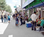 Desacatan reglamento de vendedores ambulantes