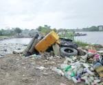 Hacen sacrificio de sacar basura pese a enfermedad