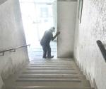 Ta empinada la escalera...