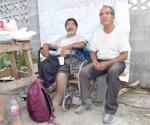 A sus 82 años libra del fuego a su hijo