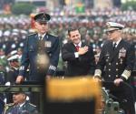 Preside Peña el desfile militar