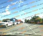 Incendio de pipa de Titsa provoca cierre de carretera Victoria-Matamoros en Las Norias