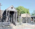 Hay gran variedad de tumbas en los panteones desde las humildes hasta tipo residencia