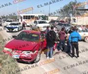 Triple accidente deja dos heridos en Reynosa
