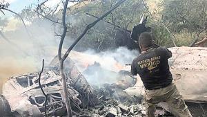 Se desploma avioneta; mueren 2 calcinados