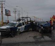 Resultan heridos 4 policías en accidente