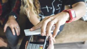 ¿Es seguro pagar con el móvil?