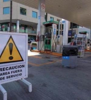 Congelan 13 gasolineras; vendían 'huachicol' en Tamaulipas