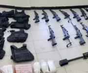 Descubren 'clavo' en Díaz Ordaz, decomisan 14 armas largas