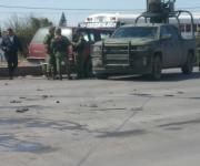 Chocan hombres armados y abandonan camioneta en que viajaban