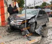 Fuerte choque en la Juárez deja dos personas lesionadas