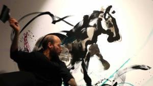 La galería de arte Baga 06 muestra la dualidad del caballo