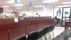 Paralizados los servicios en la Oficina Fiscal