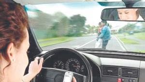 Textear y conducir, combinación mortal