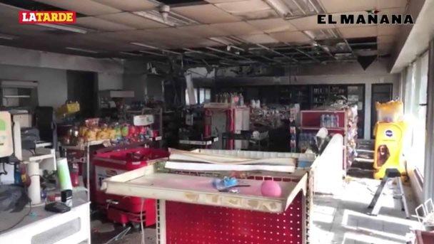 Incendian dos sujetos tienda de conveniencia en Prados de Alcalá